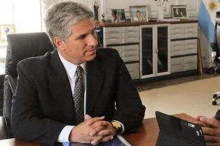 El senador Poggi trató de mentiroso al Gobernador