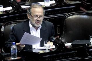 Tras el caso Niembro, ahora denuncian a Eduardo Amadeo