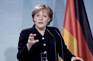 Merkel, a favor de tropas de la OTAN en países bálticos, pero pide diálogo con Rusia