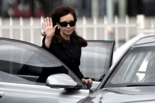 Cristina Kirchner irá a la Justicia para defender su doble pensión