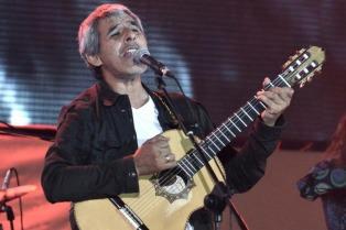 """Peteco Carabajal presenta """"Rienda suelta"""" en el CAFF"""