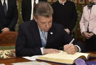 Santos firma un acuerdo con la UE para financiar el posconflicto