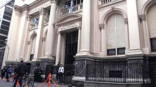 El Banco Central redujo su tasa de política monetaria 75 puntos básicos, a 28%