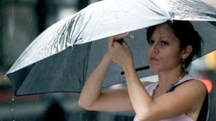En el arranque del carnaval, la lluvia bajó la temperatura en el centro del país