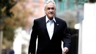 Piñera se saca la foto oficial con su gabinete, poco antes de asumir la presidencia