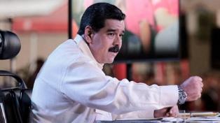 """Maduro atacó a Pence por reunirse con """"terroristas"""" en Miami"""