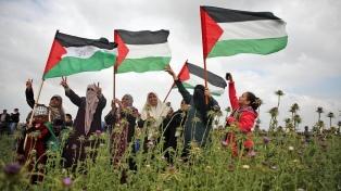 Palestinos protestan contra los acuerdos que firmaron EAU y Bahréin con Israel
