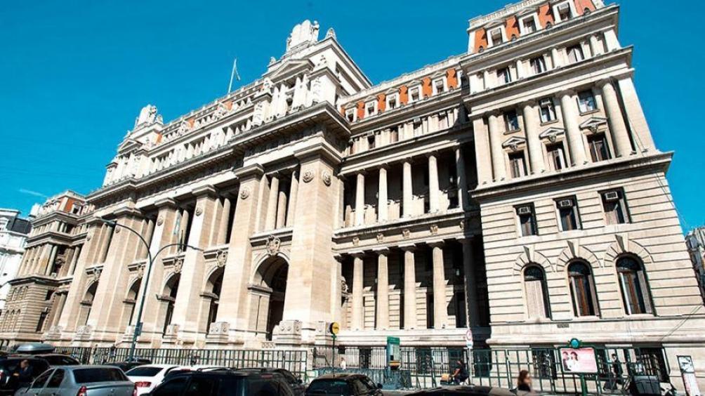 El proyecto traspasa a la Ciudad Autónoma de Buenos Aires la totalidad de los delitos no federales que se cometan en su territorio.