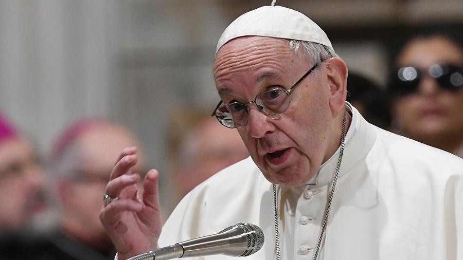 Francisco pidió a los jefes de las naciones del mundo que inviertan en salud