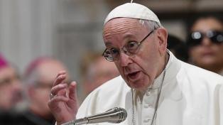 El papa Francisco se lamenta por la violencia y llama a que se retome el diálogo