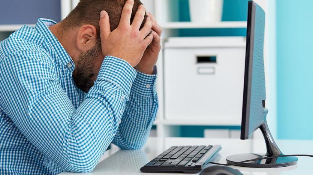 Los cinco síntomas más comunes fueron fatiga (58%), dolor de cabeza (44%), trastorno de atención (27%), caída del cabello (25%) y disnea (24%).