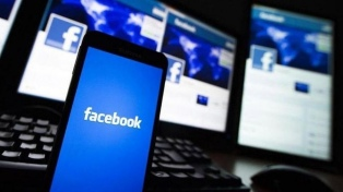 Facebook lanzó en EE.UU. la sección Noticias con artículos curados por periodistas