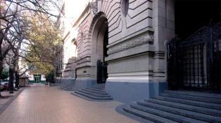 Denuncian por abuso a un coordinador de viajes de estudio del Nacional Buenos Aires y el Pellegrini