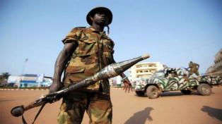 Treinta muertos en violentos combates en la capital