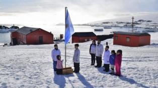 Em 2022, a escola antártica da Base de Esperanza é reaberta