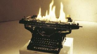 Obras de Leon Ferrari y Margarita Paksa sobre la escritura como disparadora del arte