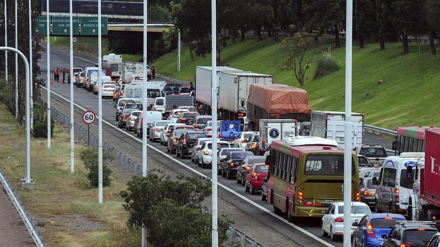Demoras de tránsito en los controles de circulación y accesos