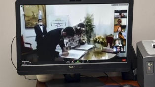 Con arroz virtual desde Ecuador, se celebró el primer casamiento en cuarentena en Jujuy