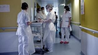 Médicos y voluntarios cuidan los efectos emocionales de los pacientes internados por coronavirus
