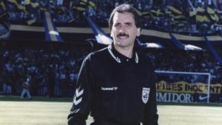 Rubén Pascualino, en sus épocas de árbitro