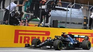 Lewis Hamilton arrasó sobre el final en Hungría