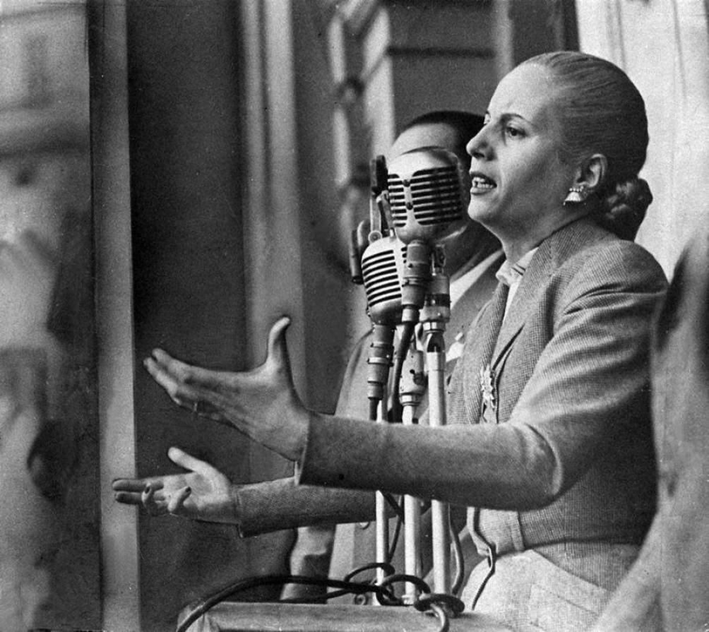 Los discursos de Evita, ya orales, ya escritos, fueron contribuyendo a crear una identidad, un imaginario, una utopía que terminó por trascender al peronismo.