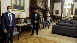 El Presidente recibió al gobernador neuquino Omar Gutiérrez