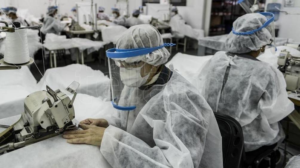 Vuelven a otorgar asistencia a trabajadores de empresas autogestionadas -  Télam - Agencia Nacional de Noticias