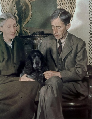 Virginia Woolf y Leonard, su esposo. Foto de Gisele Freund.