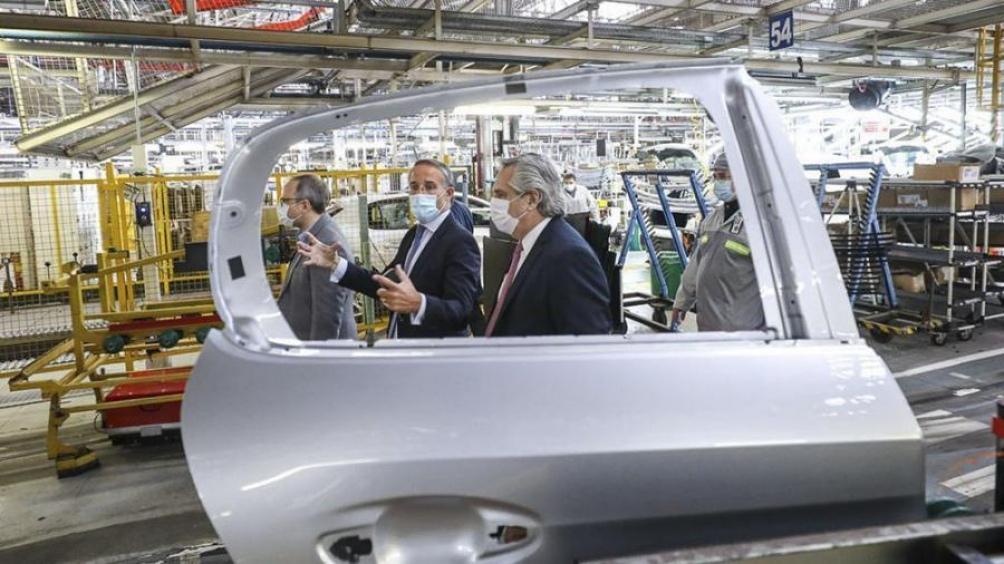 La producción del nuevo automóvil se inició a fines de julio último.