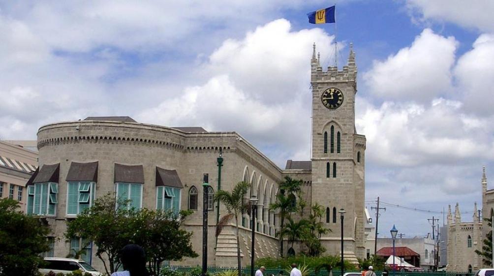 Barbados planea destituir a la reina Isabel como jefa de Estado y convertirse en República