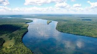 Buscan a cuatro jóvenes que desaparecieron en el río Paraná