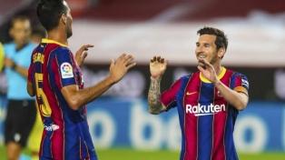 Barcelona goleó al Villarreal, con un gol de Messi, en el debut de Koeman
