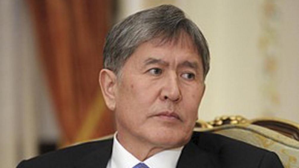 Liberaron de la cárcel al expresidente Almazbek Atambayev