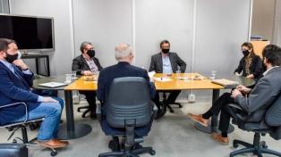 Bielsa y representantes de la construcción evaluaron la situación del sector