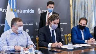 Cafiero firma un convenio con el municipio de San Roque, Corrientes
