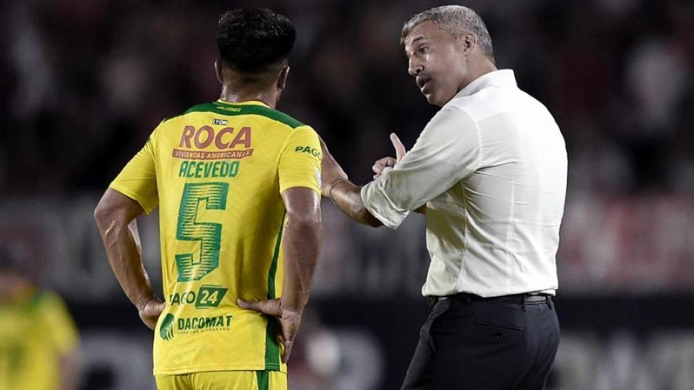 Defensa estuvo muy cerca de pasar a octavos de la Libertadores pero perdió sobre la hora ante Santos de Brasil