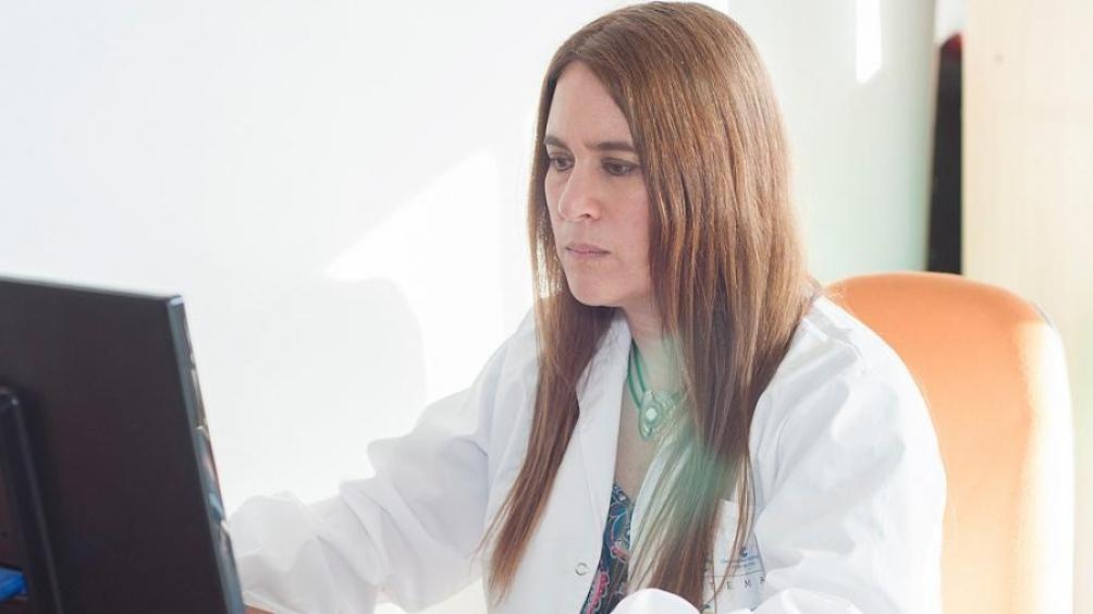 La investigadora Vera Álvarez, quien desarrolló insumos para la elaboración de materiales de protección e inactivación del coronavirus, fue la ganadora de la 14° Edición del Premio Nacional L