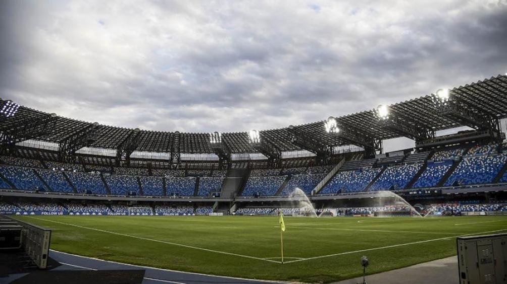 El estadio de Nápoles se llama formalmente