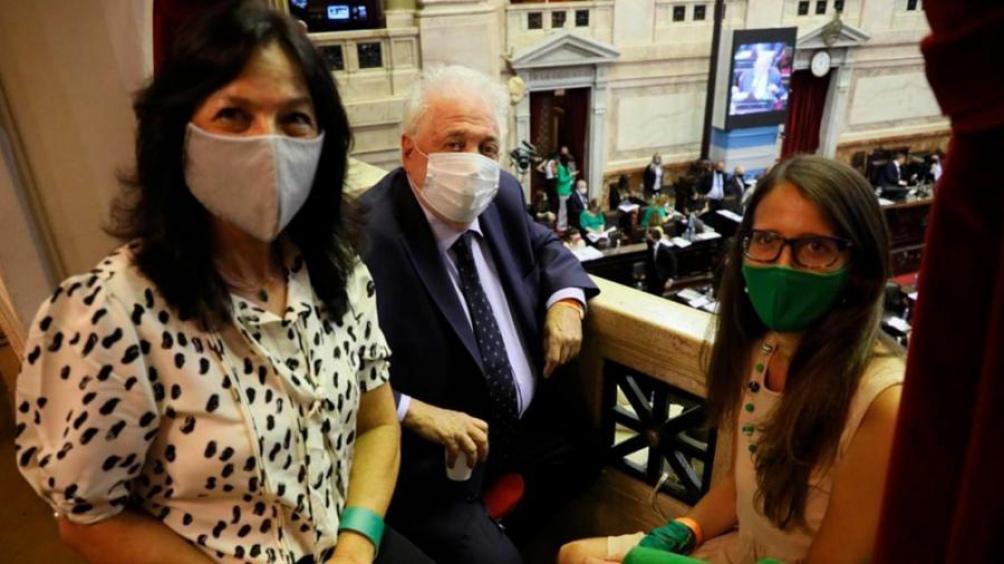 Vilma Ibarra, Ginés González García y Elizabeth Gómez Alcorta presenciaron la sesión en Diputados el jueves.