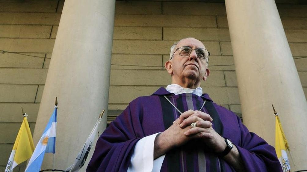 La carpa que se instaló con la anuencia de Bergoglio, casi frente a la Catedral, estuvo 20 días montada, hasta dos semanas antes de las elecciones.