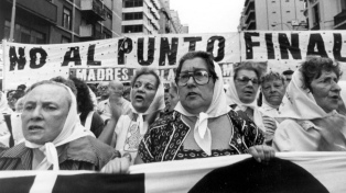 Conmemoran los 44 años de la primera ronda de las Madres de Plaza de Mayo