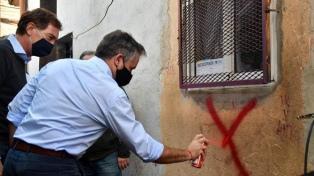 Detuvieron a 11 personas y tapiaron dos búnkeres de droga en el Barrio Zavaleta