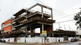 Ciudad: denuncian que la construcción de una escuela fue abandonada y está en peligro de derrumbe