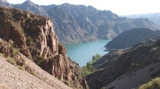 El Cañón del Atuel propone variados climas, suelos y paisajes para un tour siempre de ida