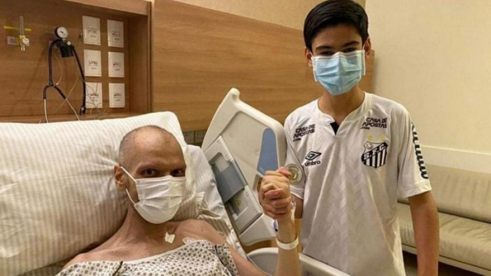Covas nunca ocultó su enfermedad, que le detectaron hace dos años