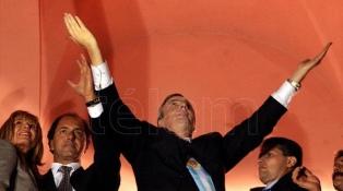 """Fernández calificó de """"líder excepcional"""" Kirchner, a 18 años de su asunción presidencial"""