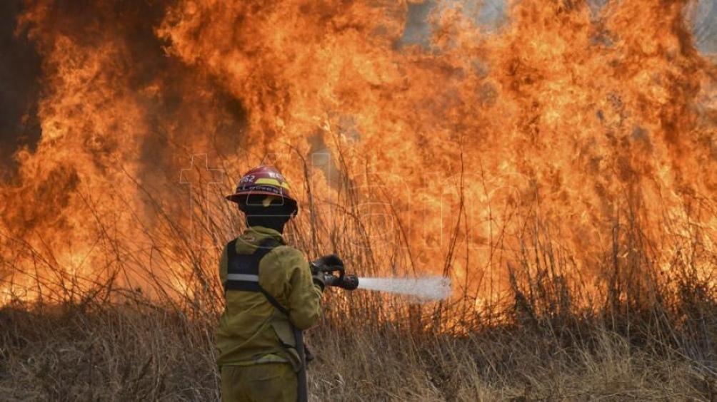 Son dos los incendios que permanecen con actividad: en Intiyaco y el que se desarrolla entre San Clemente y Potrero de Garay.
