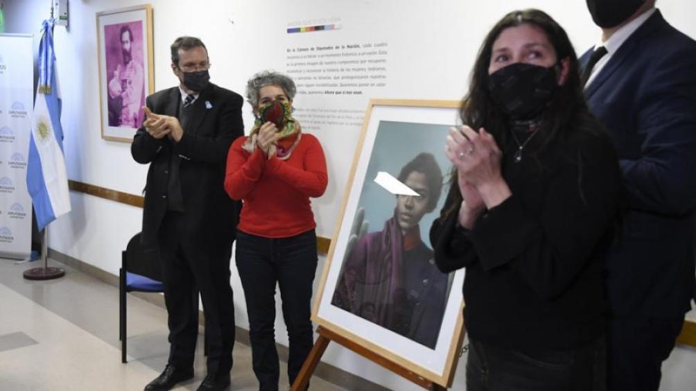 """Bauer anunció que una escultura que está """"en plena ejecución"""" será emplazada en noviembre en la CABA."""