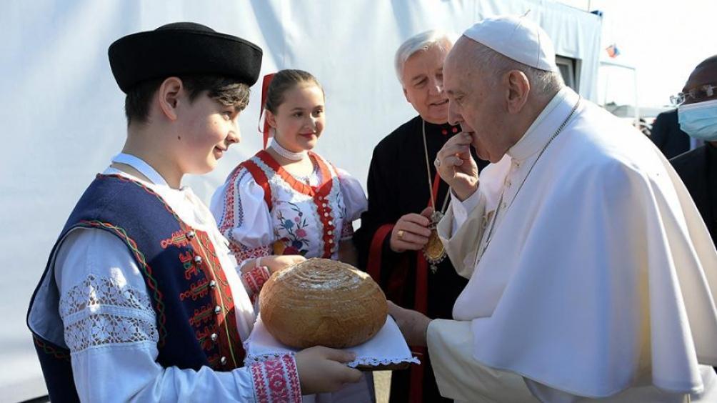 """""""No reduzcamos la cruz a un objeto de devoción, mucho menos a un símbolo político"""", pidió el Papa."""